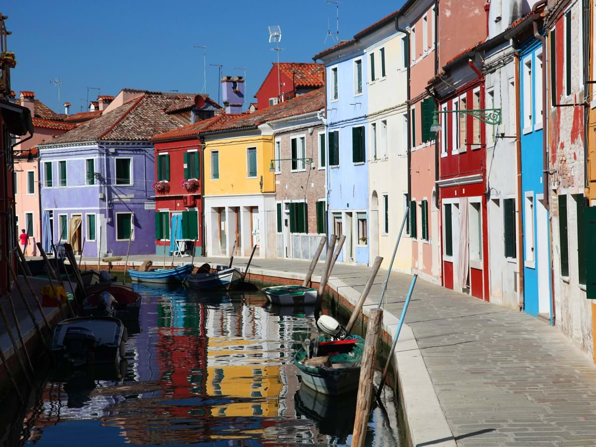 Half Day Venetian Islands: Murano Glassblowing and Burano Lacemaking