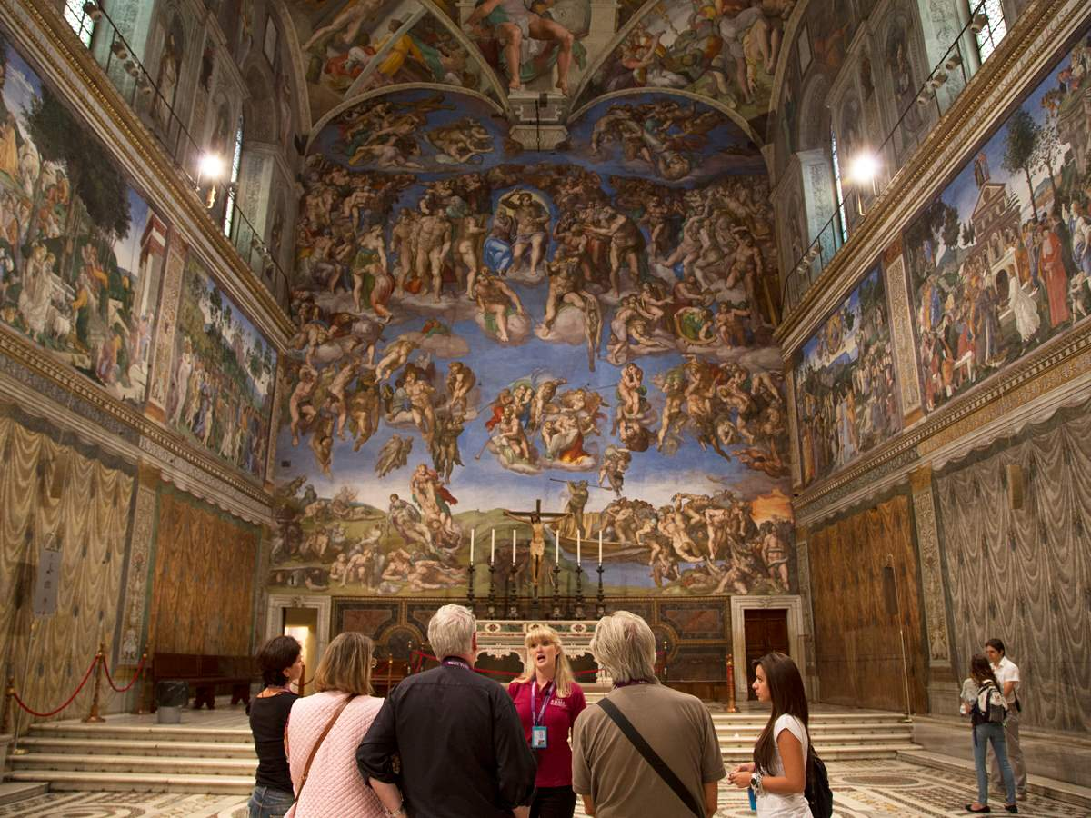 Express Sistine Chapel, St. Peter's Basilica, and Vatican Crypt Tour