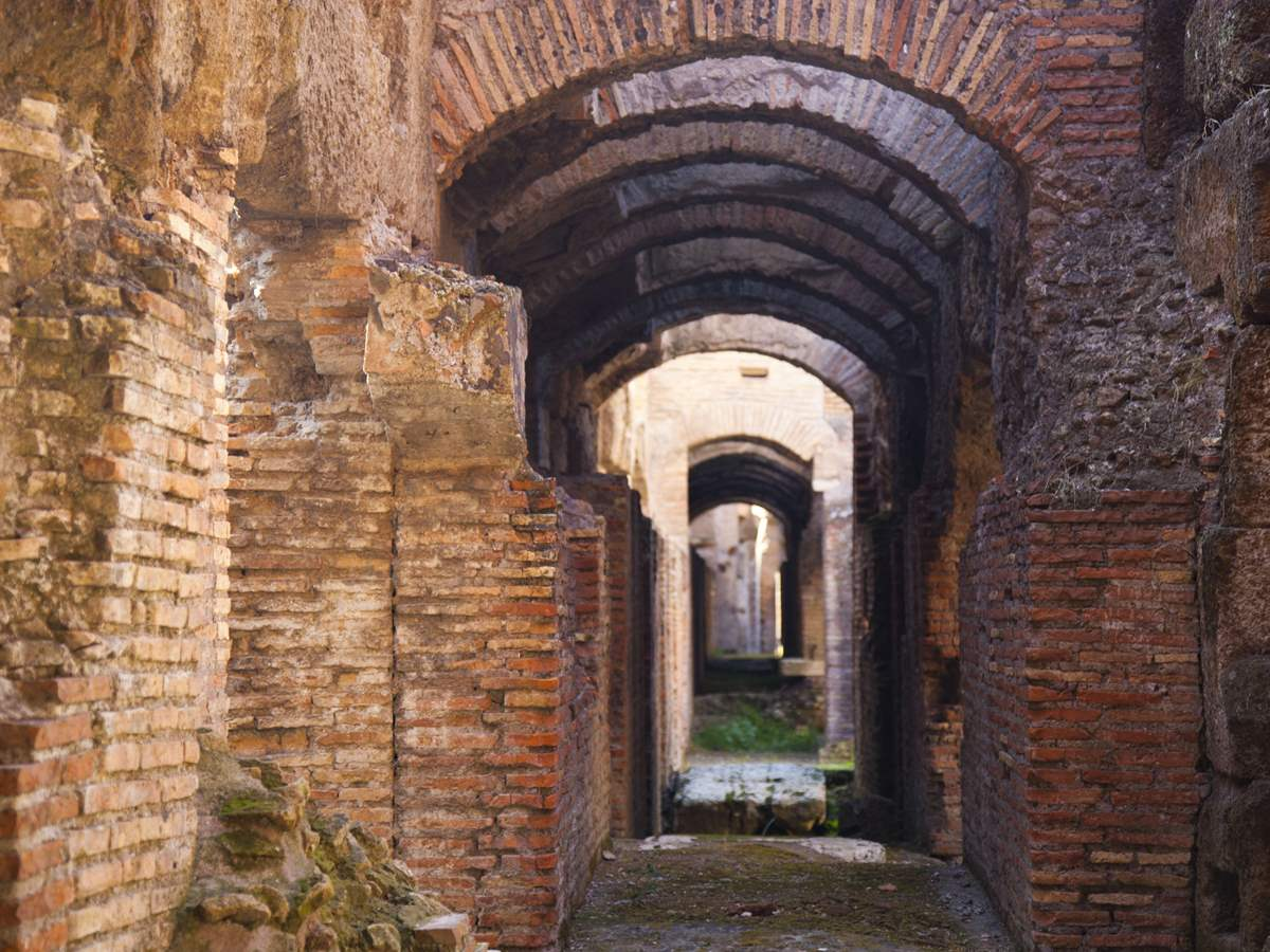 Colosseum Underground Tour with Arena Floor, Upper level, Roman Forum and Palatine Hill