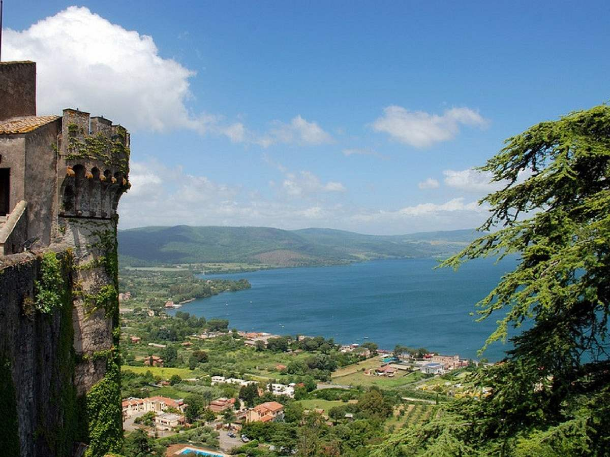 Odescalchi Castle at Bracciano Lake Tour with Lunch
