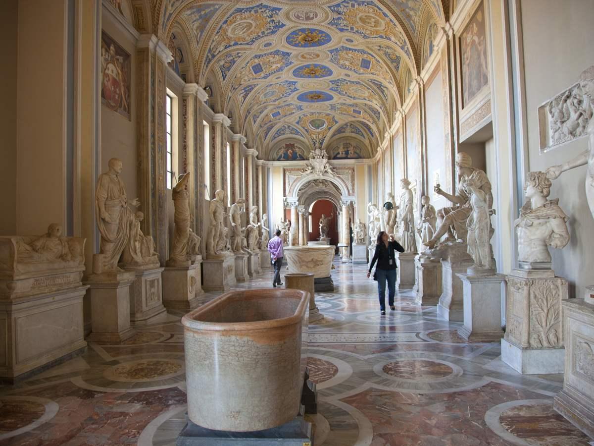Vatican Tour With Breakfast & Gardens
