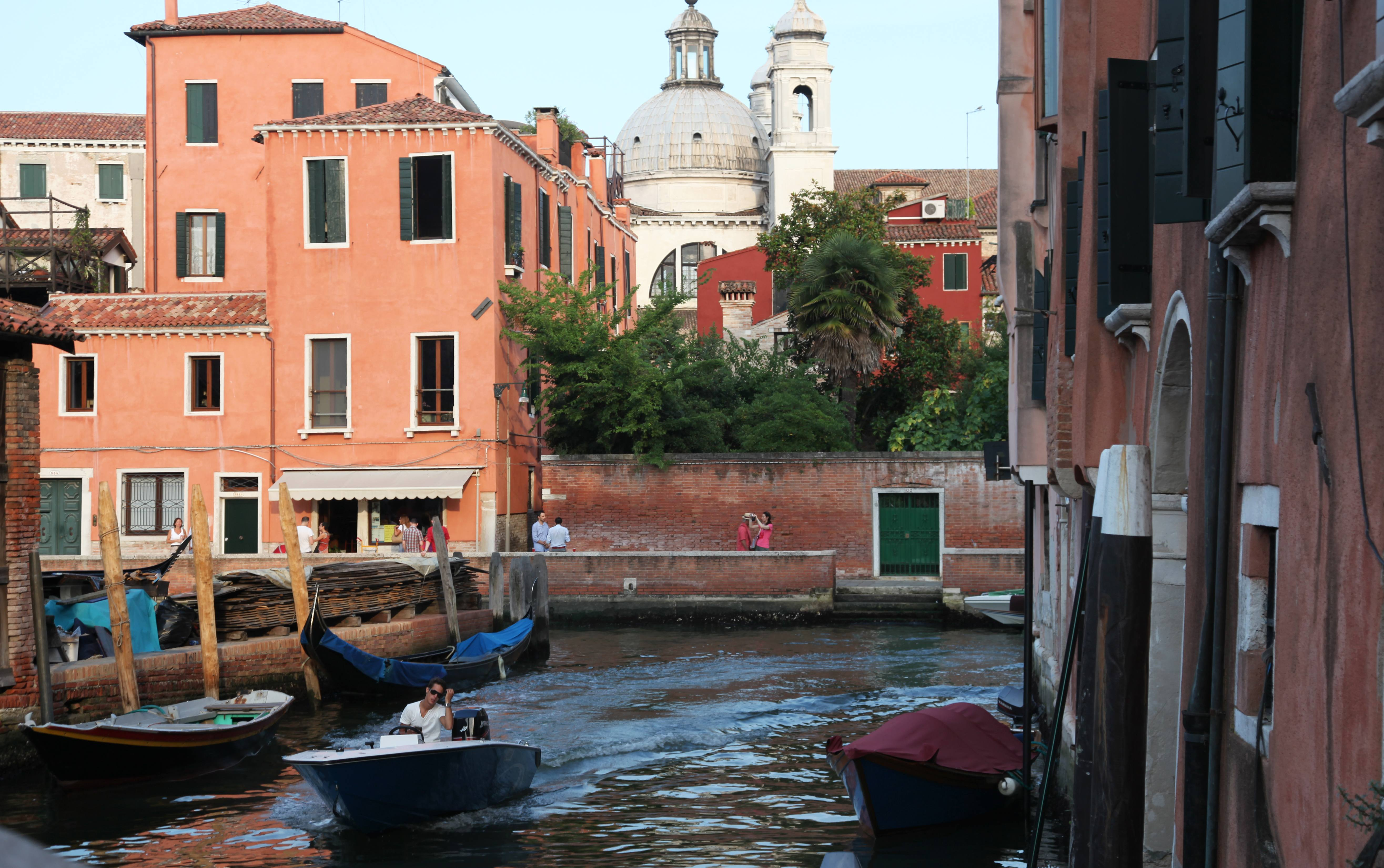 how to get to murano and burano from venice